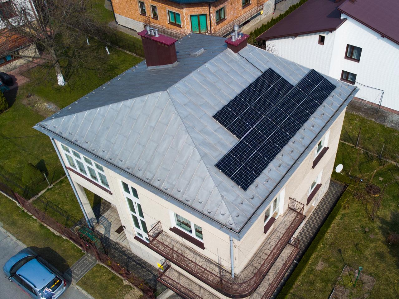 Instalacja fotowoltaiczna w Brzesku, montaż paneli na dachu